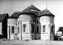 Saint Révérien (Nièvre): l'église prieurale: le chevet