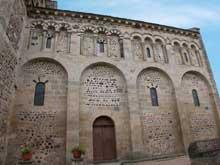 Saint Saturnin (Puy du Dôme): l'église saint Saturnin. Flanc nord
