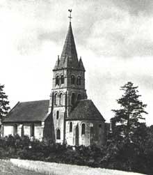 Saint Vaast de Longmont dans l�Oise. L��glise romane du XII�