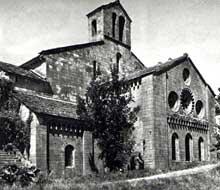 Silvanès (Aveyron): l'abbaye. Massif occidental de l'abbatiale