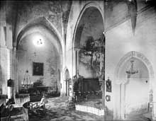 Silvanès (Aveyron): l'abbaye. Le chœur el le croisillon nord