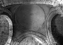 Talmont (Charente Maritime): l'église sainte Radegonde. Coupole de croisée