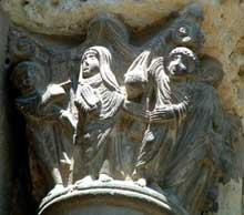 Toulouse (Haute Garonne): basilique saint Sernin. Façade occidentale, porte Miégeville: chapiteau de l'annonciation