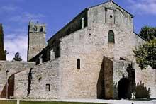 Vaison la Romaine (Vaucluse): la cathédrale Notre Dame de Nazareth. Massif occidental