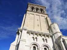 Valence (Drôme): cathédrale saint Apollinaire, La tour de façade