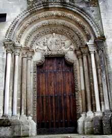 Verdun (Meuse): cathédrale Notre Dame de l'assomption: le «portail du Lion» du transept nord