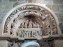 Vézelay (Yonne), basilique sainte Madeleine. Portail sud du narthex: scènes de l'enfance du Christ