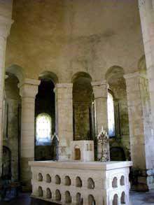 Vignory (Haute Marne): l'église saint Etienne. Chœur et déambulatoire