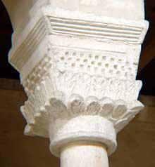 Vignory (Haute Marne): l'église saint Etienne. Chapiteau