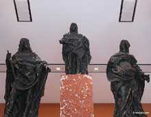 Simon Guillain: Statues et reliefs provenant du monument à la gloire du jeune roi Louis XIV élevé sur le pont au Change à Paris