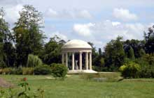 Richard Mique (1728-1792) : le Temple d'Amour au petit Trianon de Versailles.