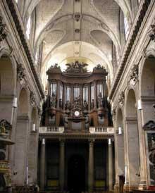L'église saint Sulpice de Paris. L'intérieur