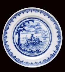 Plat de Moustiers décorée en camaïeu bleu. XVIIIè