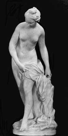 Etienne Maurice Falconnet (1716-1791): Baigneuse. 1757. Marbre, 80 cm. Paris, Musée du Louvre