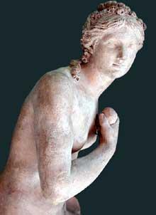 GuillaumeII Coustou (1715-1777): Vénus. 1769. Paris, musée du Louvre.