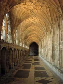 Gloucester: cathédrale saint Pierre et sainte Trinité: voûte du cloître