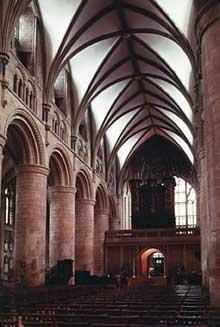 Gloucester: cathédrale saint Pierre et sainte Trinité. La nef