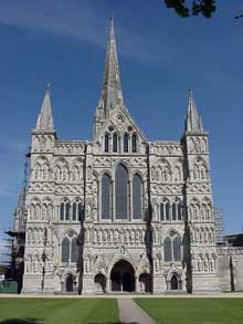 Salisbury : la cathédrale : le massif occidental