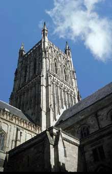 Worcester: la cathédrale. Tour de croisée