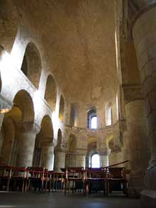 Londres: chapelle romane saint Jean de la White Tower de Londres. 1077-1097