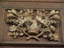 Grinling Gibbons: détail du décore de la bibliothèque Wren, Cambridge, Trinity College