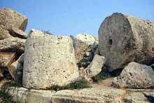 Sélinonte: le temple G. 530-409 avant JC. Sans doute dédié à Apollon. (Art grec)