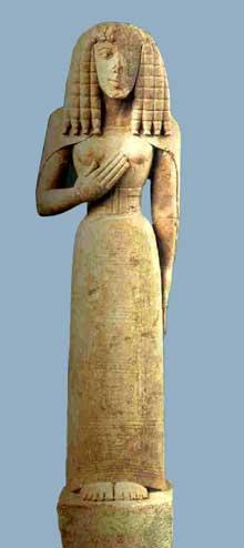 Statuette féminine dite «la Dame d'Auxerre», vers 640-630 avant JC. Provenant de Crète. Calcaire, 75 cm avec la base. Paris, musée du Louvre. (Art grec)
