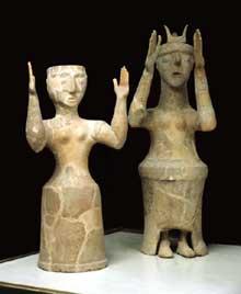 Déesses orantes de Karphi (Crète). Terre cuite, vers 1000 avant JC. Musée d'Héraklion. (Art grec)
