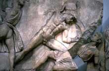 Scopas de Paros: le mausolée d'Halicarnasse: amazonomachie. 90 cm. 360-350. Londres, British Museum. (Art grec)