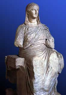 Statue de la Déméter de Cnide. 350 avant JC. Londres, British Museum. (Art grec)