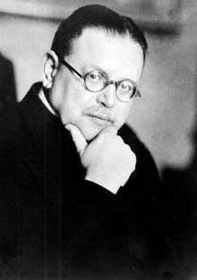 Matthias Erzberger, le chef de la délégation allemande chargée de négocier l'armistice. Il sera assassiné en 1921 comme « traitre » par l'organisation d'extrême droite « Consul »