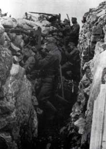 Tranchée autrichienne lors de la seconde bataille de l'Isonzo
