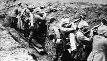 Bataille de la Marne: soldats allemands dans les tranchées