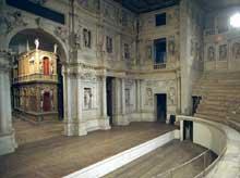Andrea Palladio (1508-1580): le «Théâtre Olympique» de Vicence, achevé et retouché après sa mort par Vincenzo Scamozzi (1584-1585)