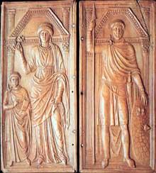 Diptyque en ivoire représentant Stilichon, son épouse et son fils. Rome, vers 400