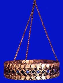 Trésor de Théodelinde, reine des Lombards (590-627), Monza: la couronne de la reine: largeur: 4,5cm