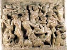 Bataille (combat des Lapithes et des centaures). Vers 1492. Marbre, 84,5 x 90,5 cm. Maison Buonarroti, Florence