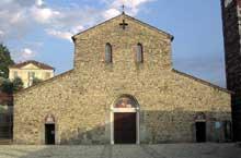 Basilique saints Pierre et Paul d'Agliate: la façade