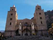 Céfalù en Sicile: la cathédrale, 1133-1148. Vue générale