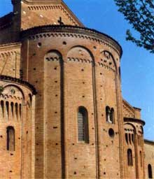 Nonantola près de Modène: abbaye San Silvestro, XI-XIIè. Vue du chevet
