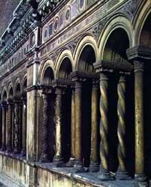 Rome: Cloître de Saint Jean du Latran. XIIIè