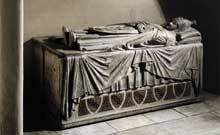 Arnolfo di Cambio (1245-1302): tombeau de Boniface VII. Rome, saint Pierre