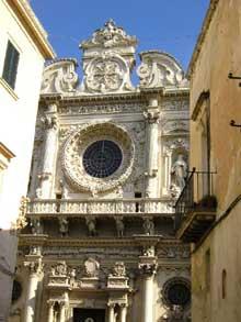 Santa Croce dei Celestini à Lecce: façade de Gabriele Riccardi (XVIè), Giuseppe et Antonio Zimbalo, Cesare Penna (XVIIè)