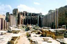 Leptis Magna en Libye: la basilique païenne de Septime Sévère. Vue sur l'une des deux absides