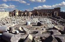 Leptis Magna en Libye: la basilique païenne de Septime Sévère. Vue des ruines