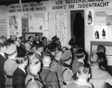 Les officiels nazis participent à un congrès antisémite en 1938