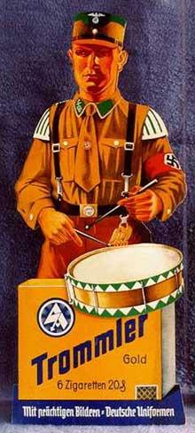 Publicité pour des cigarettes sur support de l'uniforme de la SA.
