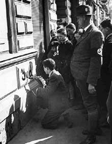 Anschluss en Autriche : immédiatement, les Juifs autrichiens sont tenus de « marquer » leur domicile