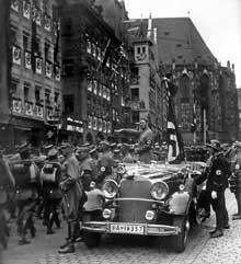 Le défilé inaugural du congrès de Nuremberg de 1935