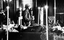 Veillée funèbre pour le chancelier Dolfuss assassiné
